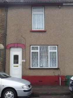 Terraced House To Let  Sittingbourne Kent ME10