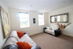 Flat To Let  Wakefield West Yorkshire WF5