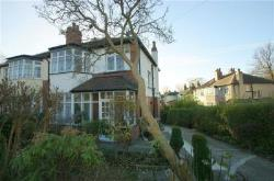 Detached House To Let  Leeds West Yorkshire LS8
