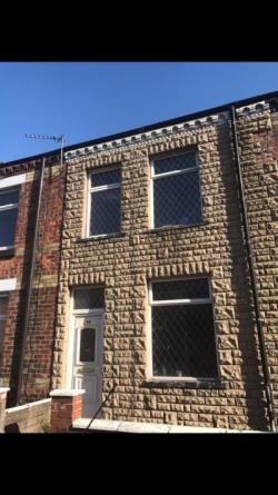 Terraced House To Let  Wigan Greater Manchester WN3