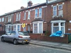 Terraced House To Let  Southampton Hampshire SO15