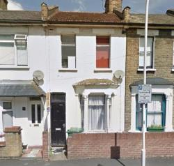 Terraced House To Let  London Greater London E15