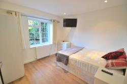 Room To Let  Wokingham Berkshire RG41