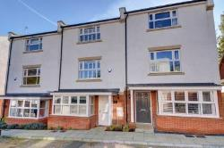 Terraced House To Let  High Wycombe Buckinghamshire HP14