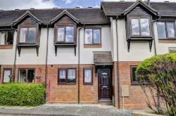 Terraced House To Let  Princes Risborough Buckinghamshire HP27
