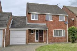 Detached House To Let  High Wycombe Buckinghamshire HP14