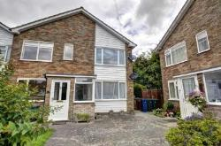 Maisonette To Let  Princes Risborough Buckinghamshire HP27