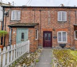 Terraced House To Let  Marlow Buckinghamshire SL7