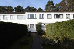 Terraced House To Let  Farnborough Hampshire GU14