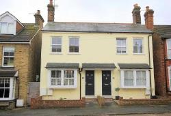 Semi Detached House To Let  Hemel Hempstead Hertfordshire HP1