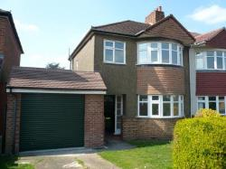 Detached House To Let  North Cray Kent DA14