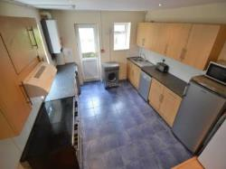 Terraced House To Let  Cardiff Glamorgan CF10