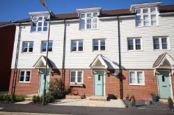 Terraced House For Sale  Aylesbury Buckinghamshire HP18