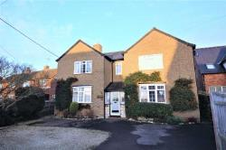 Detached House To Let  Buckingham Buckinghamshire MK18