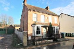 Semi Detached House To Let  Aylesbury Buckinghamshire HP18