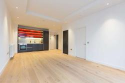 Flat To Let  London Greater London E14