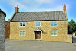 Detached House To Let  Castle Cary Somerset BA7