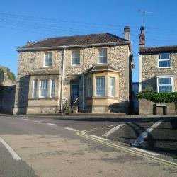 Detached House To Let  Bristol Somerset BS39