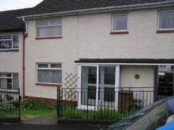 Semi Detached House To Let  Paisley Renfrewshire PA3