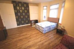 Room To Let  Manchester Greater Manchester M14