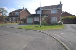 Detached House To Let  Reading Berkshire RG5
