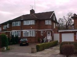 Semi Detached House To Let  Enfield Essex EN2