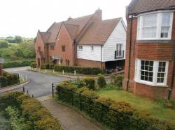 Terraced House To Let  Canterbury Kent CT3