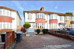 Terraced House To Let  Southgate Greater London N14