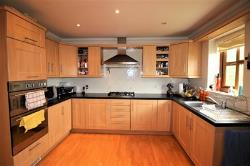 Flat To Let  SHEFFIELD South Yorkshire S26