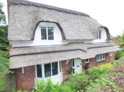 Detached House To Let  Clayton-le-Woods Lancashire PR6