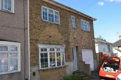 Semi Detached House To Let  Potters Bar Hertfordshire EN6