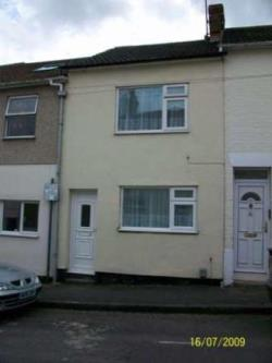 Terraced House To Let  Old Town Wiltshire SN1