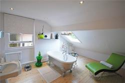 Terraced House To Let  Crouch End Greater London N8