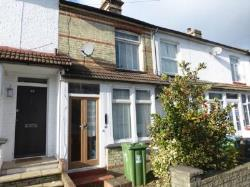 Terraced House To Let  Watford Hertfordshire WD19