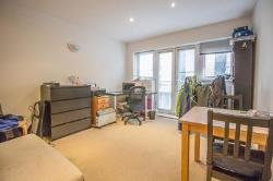 Flat To Let  Kingston Upon Thames Surrey KT2