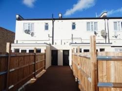 Flat To Let  Morden Surrey SM4