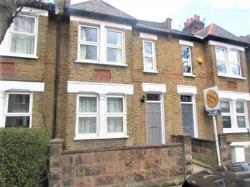 Terraced House To Let  Raynes Park Greater London SW20