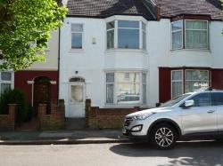 Terraced House To Let  Mitcham Surrey CR4