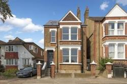 Detached House To Let  London Greater London SE27