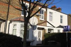 Terraced House To Let  Croydon Surrey CR0