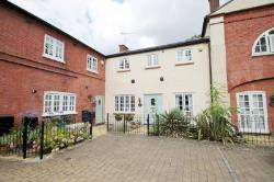 Terraced House To Let  Garston Hertfordshire WD25