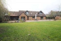 Detached House To Let  Sandridge Hertfordshire AL4