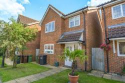 Detached House To Let  St Albans Hertfordshire AL4