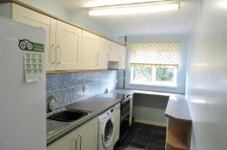 Maisonette To Let  Guildford Surrey GU4