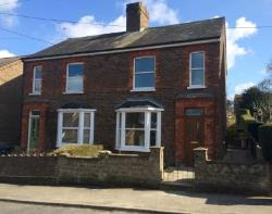 Semi Detached House To Let  Haywards Heath West Sussex RH16