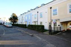 Flat To Let  Reigate Surrey RH2