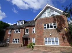 Terraced House To Let  Southampton Hampshire SO16