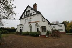 Flat To Let  Esher Surrey KT10