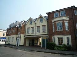 Flat To Let  East Molesey Surrey KT8
