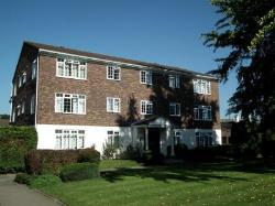 Flat To Let  Weybridge Surrey KT13